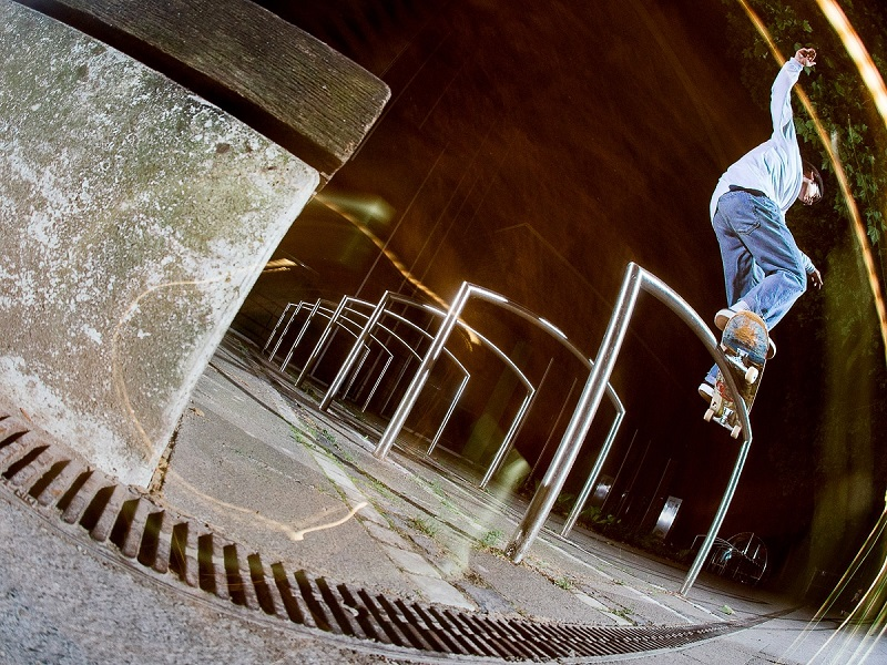 Reell-nightvibes-irregularskatemag-robert-christ-4