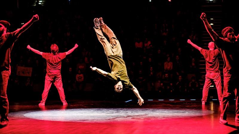 Street-Circus-2019_Enrico-Mueller-Photography-25_TheSaxonz